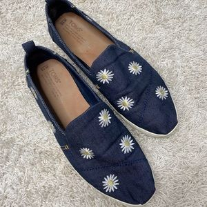 TOMS Daisy Embroidered Denim Slip On Shoes